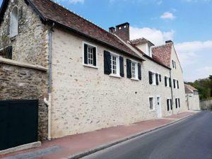 Restauration et maçonnerie réalisée par MPR à L'Étang-la-Ville - façade et mur
